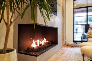 Acucraft Custom Linear Open Gas Fireplace with Left Viewing Area Glass Media & XL Lava Rocks (1)