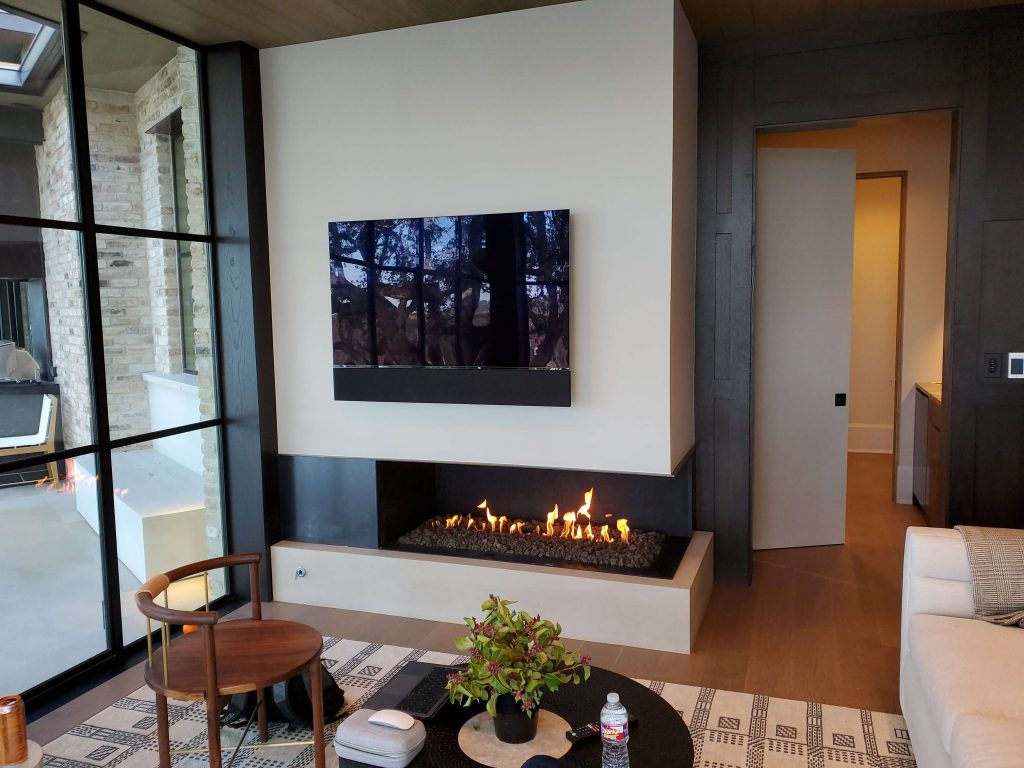 Acucraft Custom Gas Open Front Right Fireplace with Stone Media