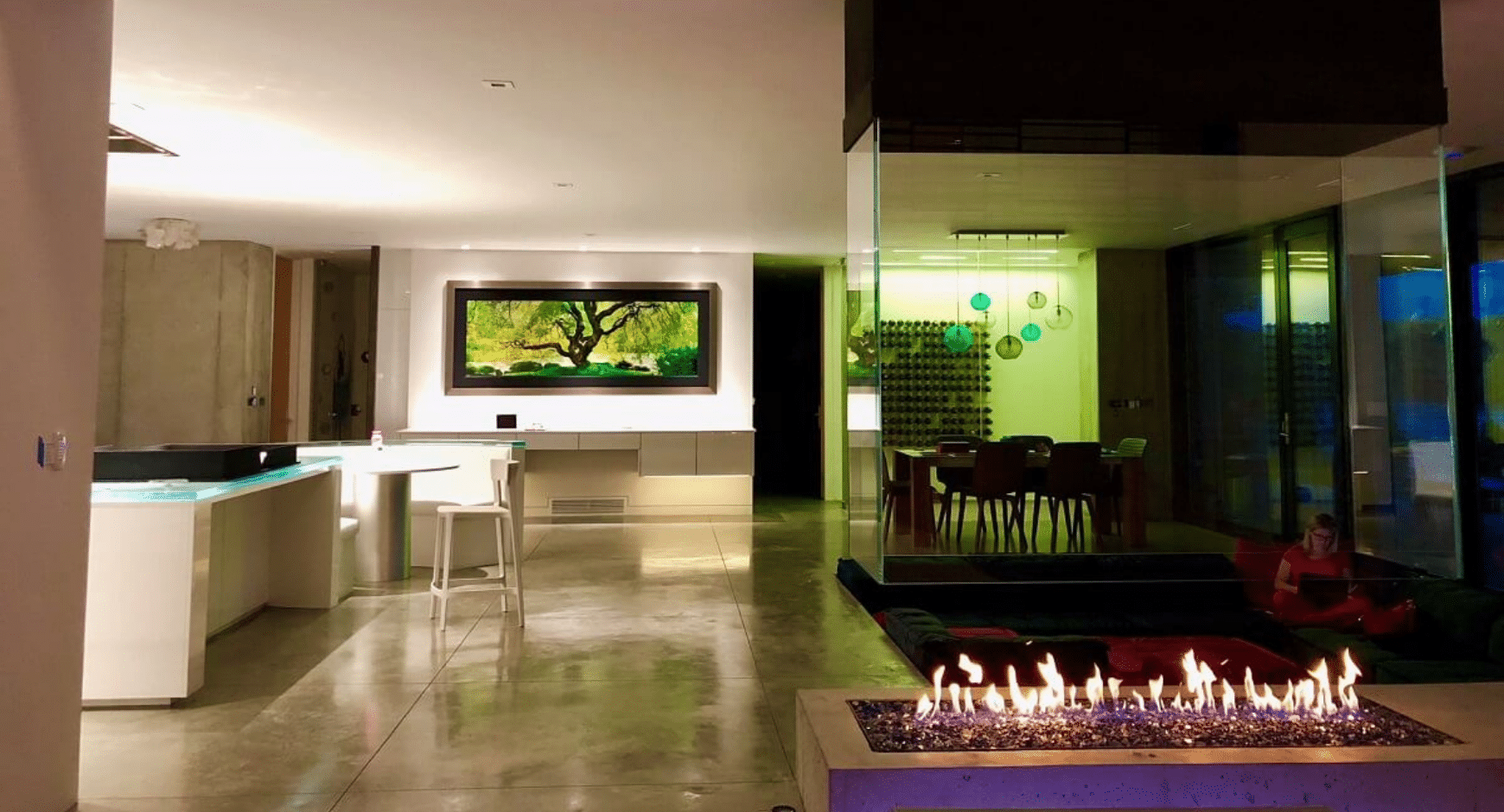 Image of a gas fireplace with suspended glass